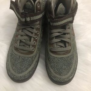 Nike Shoes - Men's Army green and tweed high top sneakers